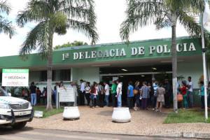 Na sexta, 22, 70 pessoas fizeram fila no Posto de Identificação para solicitar a carteira de identidade (Fotos: Paulo Cabral/Sinpol-DF)