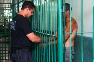 Mesmo com a sobrecarga de trabalho, GDF quer transferir agentes policiais de custódia para o Sesipe (Fotos: Paulo Cabral/Sinpol-DF)