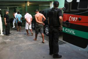 24.07.15 - Agentes Policiais de Custodia (149)